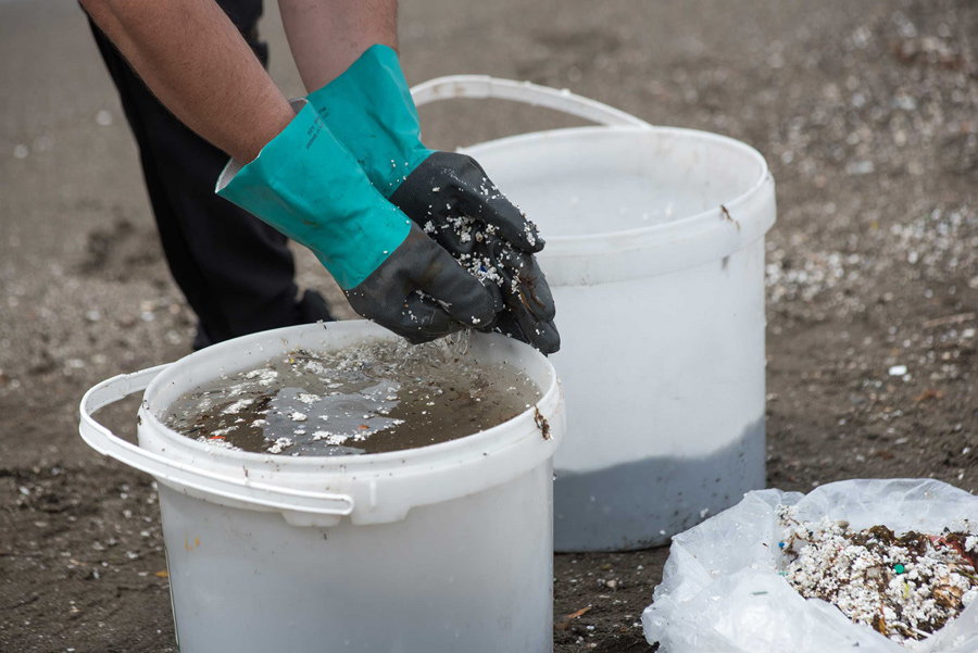 pulizia-spiaggia-napoli-mayday-(6)