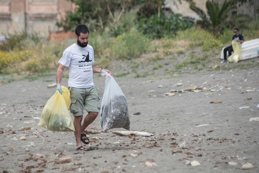 pulizia-spiaggia-napoli-mayday-(7)
